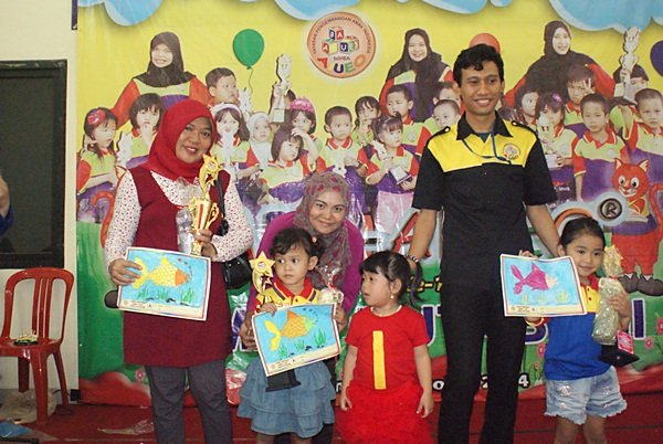Para Pemenang Lomba Mewarnai