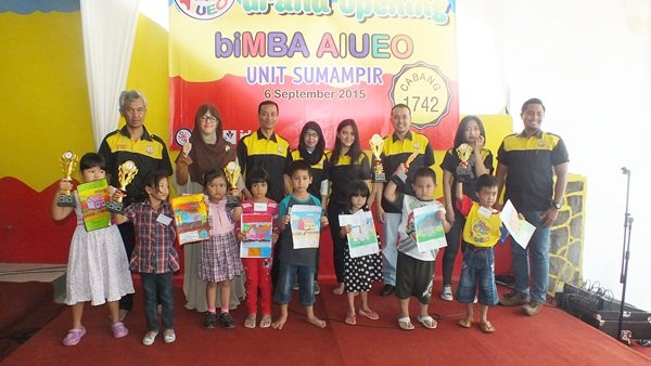 Juara Lomba Mewarnai Launching biMBA-AIUEO Unit Sumampir 04