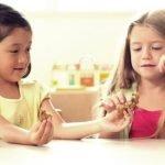 Yuk, Kita Ajarkan Anak Berbagi