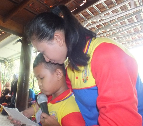 Pentas Baca Anak di Kampung Wisata Cinangneng