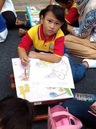 Lomba Mewarnai di Pentas Baca Unit Taruna Jaya