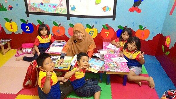 Kegiatan belajar mengajar biMBA Cipadu