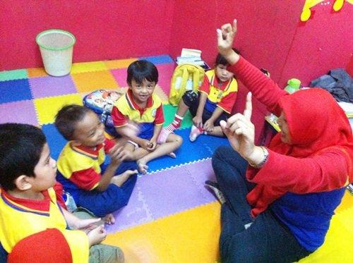 Kegiatan Belajar Mengajar biMBA Unit Agus Salim