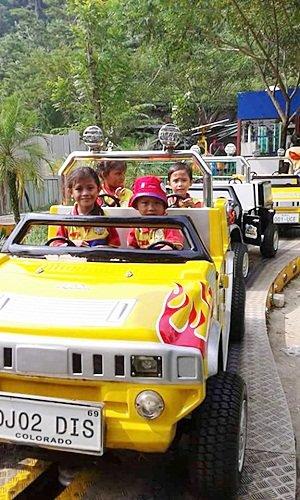 Naik Mobil-mobilan di Jungle Land