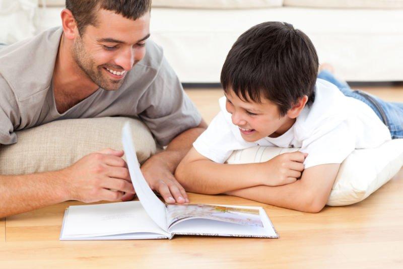 Menanamkan Minat Baca Anak