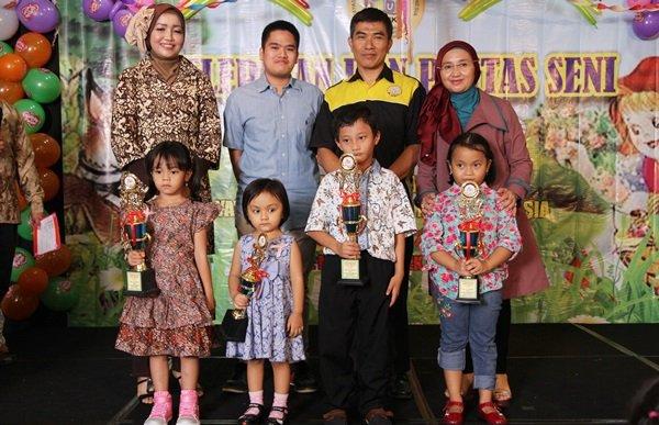 Penghargaan untuk Anak Terajin di TK