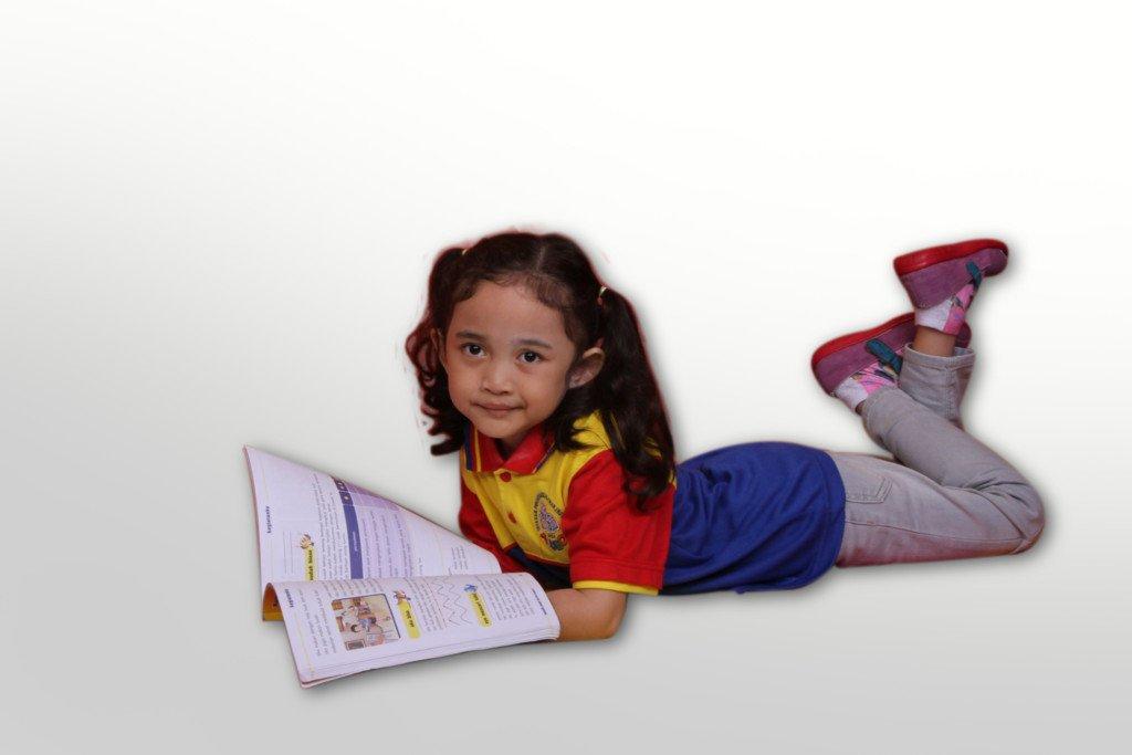 Gerakan Membaca 10 Menit untuk Meningkatkan Minat Baca Anak