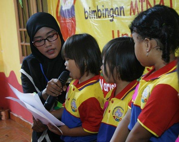 Pentas Baca dan Lomba Mewarnai biMBA-AlUEO Unit Parung Jaya
