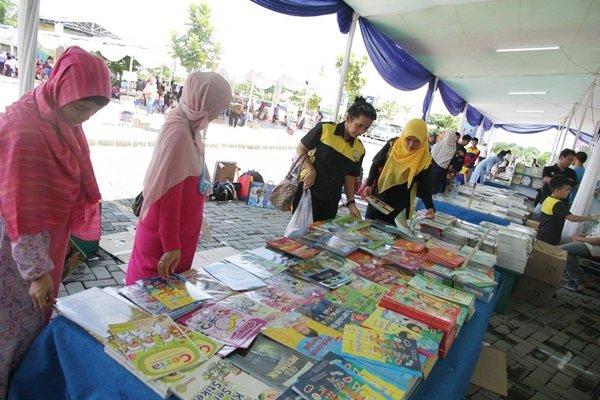 Book Fair Gebyar biMBA 2016