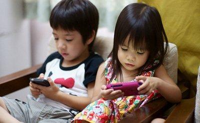 Memanfaatkan Gadget untuk Membangun Minat Belajar Anak