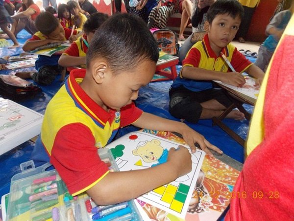 Lomba Mewarnai di Cerdas Ceria biMBA Saun Pondok Rangon