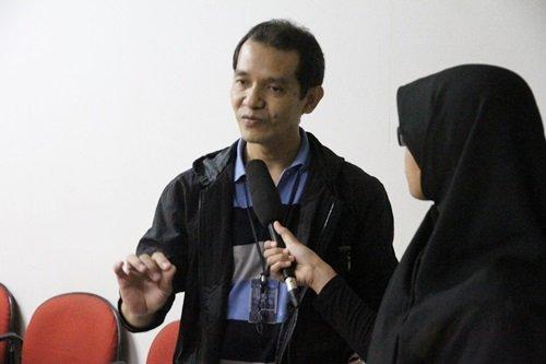 Karto Mandiro, Redaktur Pelaksana Majalah Bobo di Sesi Wawancara dengan Tim Redaksi Sahabat biMBA