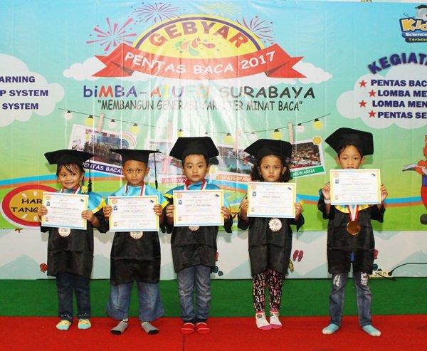 Pelepasan siswa-siswi level 4 biMBA-AIUEO Surabaya