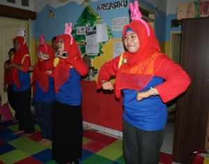 Chicken Dance dulu yuk :)